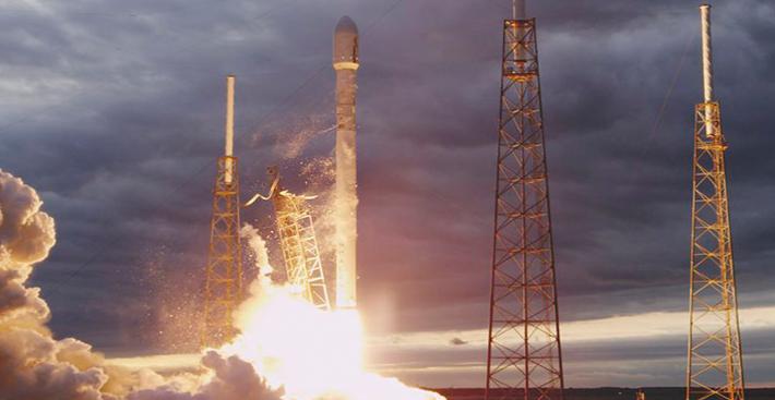 SpaceX vai lançar Falcon 9 com satélites para criar a internet espacial