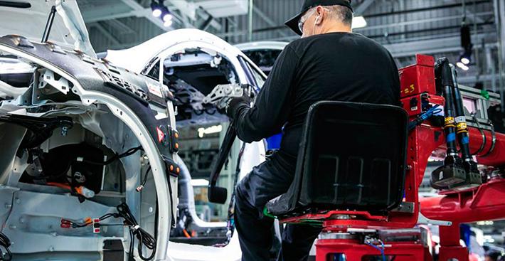 Califórnia investiga Tesla após denúncia sobre condições de trabalho